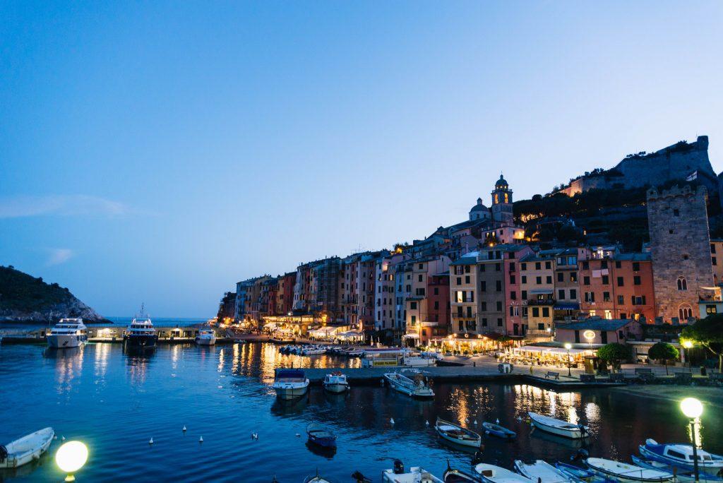 Veduta serale di Porto Venere, provincia di La Spezia